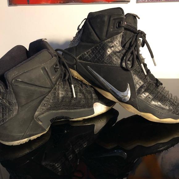 81aef5640767 Nike Lebron 12 EXT Rubber City Sz 10. M 5c64c9c4534ef9535cbdaa6d